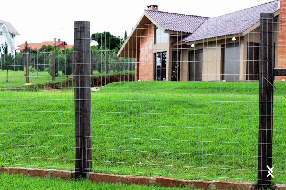 Imagem de uma tela soldada instalada em uma residência